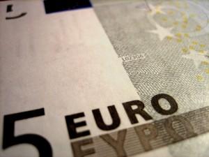 800px-Euro_note_close_1
