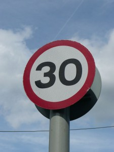 Speed sign by CT Cooper (PD)