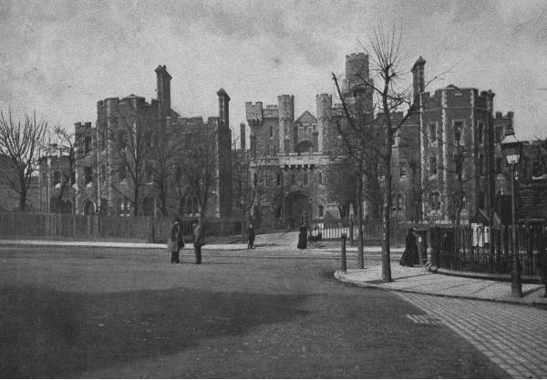 Holloway prison c.1896 (PD)