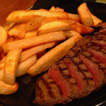 Steak and chips by FotoosVanRobin via Wikimedia Commons