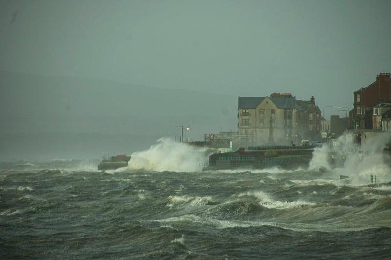 Cyclone Friedhelm 2011 by easylocum