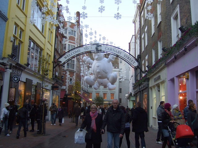 Christmas Shopping Carnaby Street by ceridwen