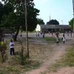 Escola na periferia de Maputo by Leandro Neumann Ciuffo from Rio de Janeiro, Brazil-1