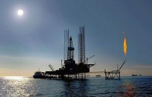 Oil Rig Caspian Sea by www.dragonoil.com