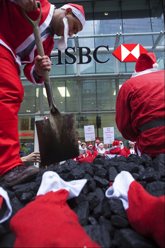 Santas Deliver Coal to HSBC courtesy WDM