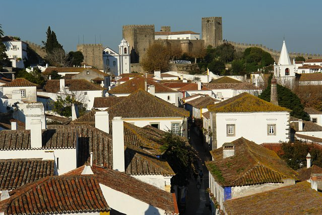 Obidos villas by Osvaldo Gago via Wikimedia Commons