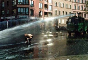 Water cannon by Eilmeldung at the German language Wikipedia