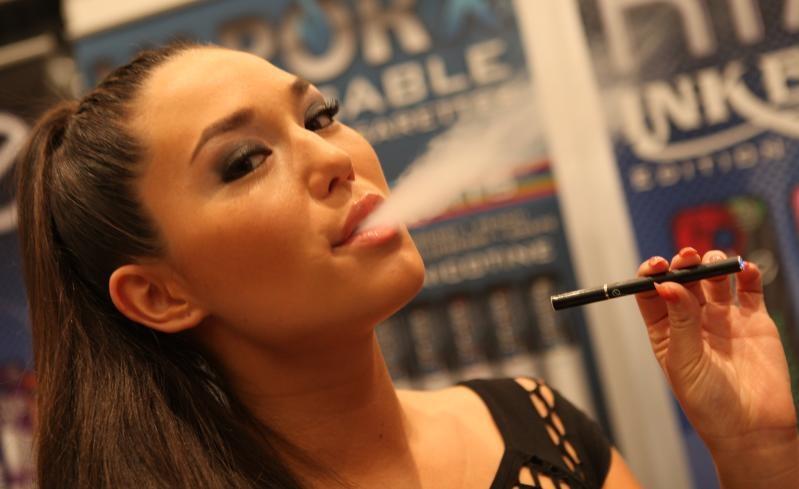 e-smoking by Michael Dorausch-michaeldorausch.com