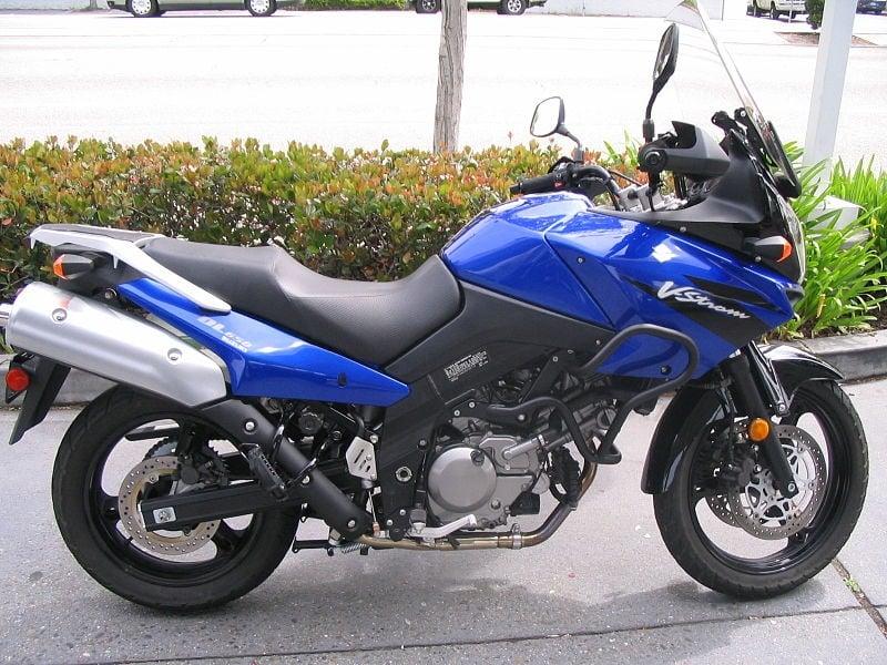 Suzuki by Ibanix via Wikimedia Commons