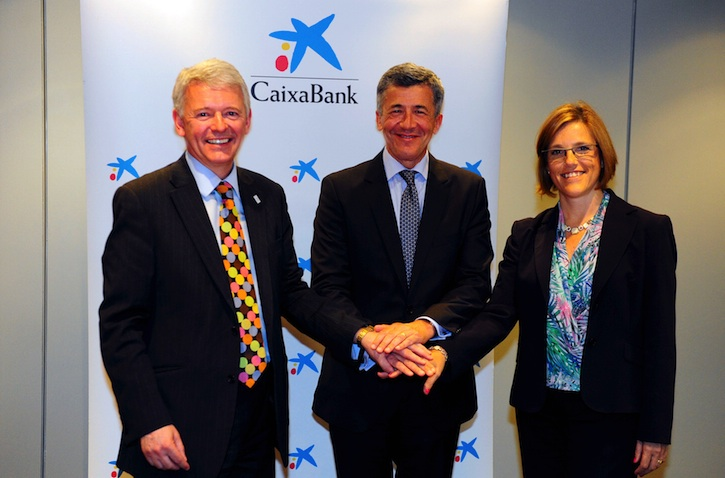 left to right: Simon Culhane, CISI CEO, Francesc Xavier Coll, CaixaBank Deputy Director of Human Resources and Carme Martinell, Director General Private Foundation of Continuing Education at the Pompeu Fabra University