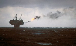 Drilling in the North sea by Hannes Grobe