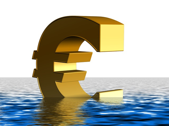 Euro in Water (PD)