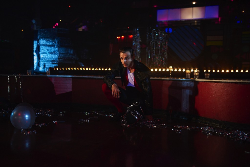 Hurts new video for Lights