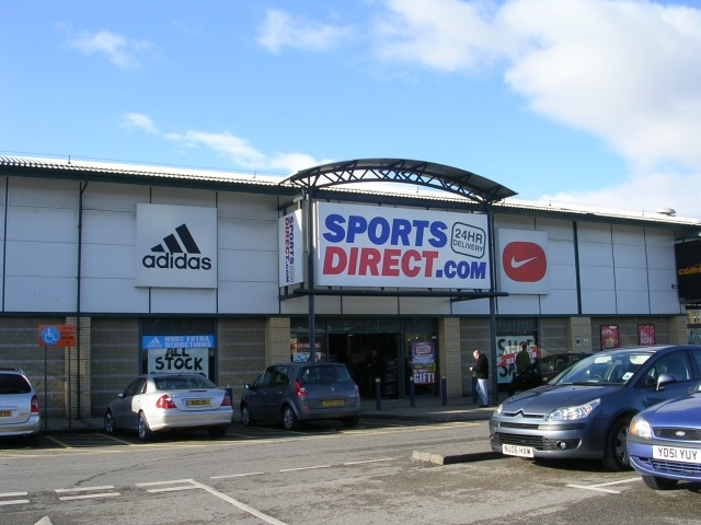 Sports Direct By Betty Longbottom (CC-BY-SA-2.0)