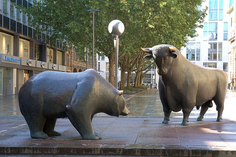 Bull and Bear By Eva K. (CC-BY-SA-2.5)