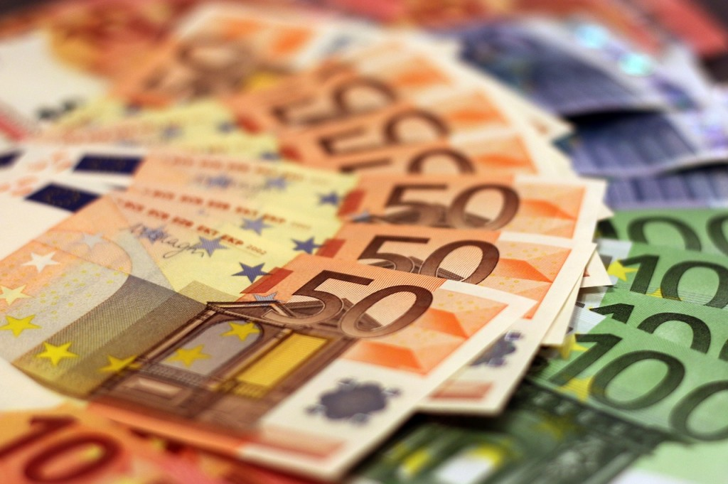 Euro Notes 7 (PD)