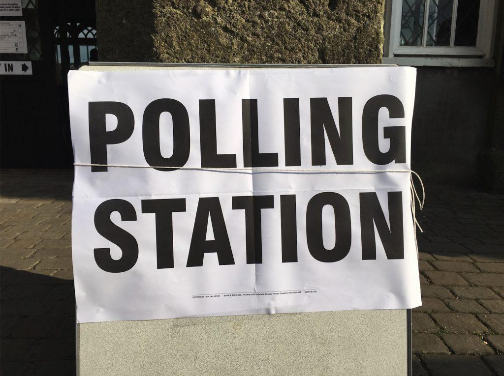 Polling station sign (LGT)