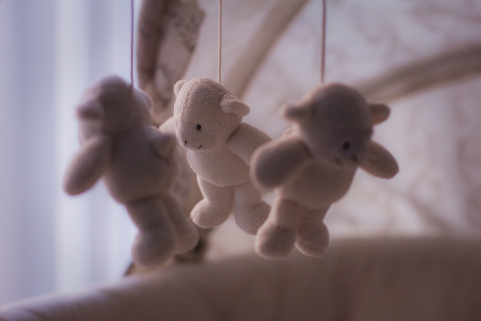 Toys hanging (PD)