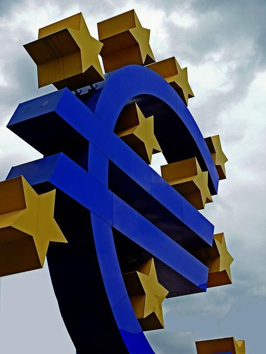Euro Sign ECB (PD)