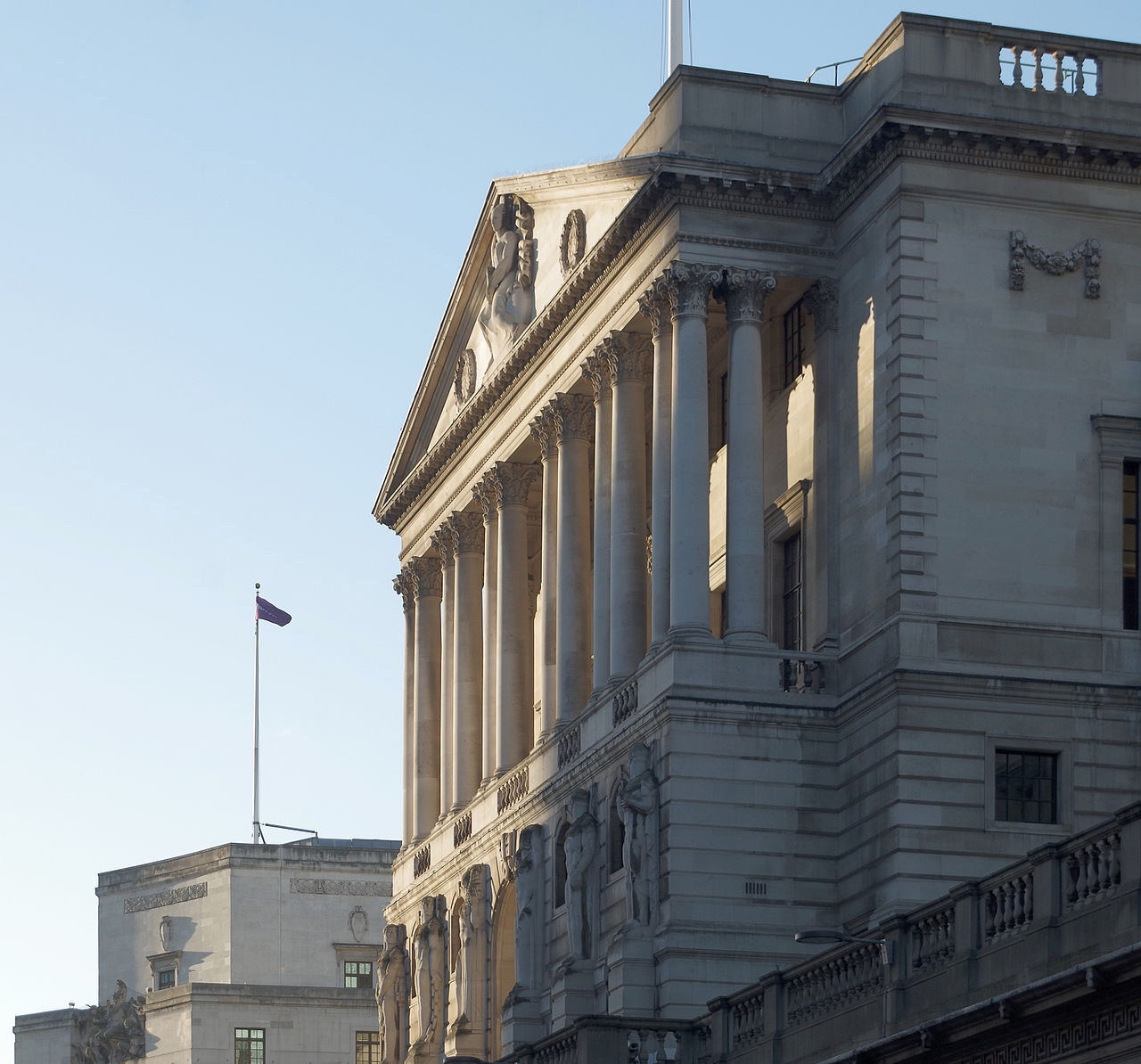 Bank of England by mattbuck (CC BY-SA 4.0)