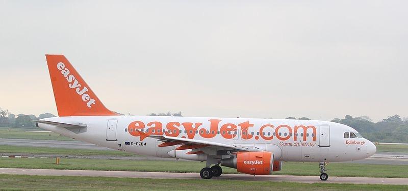 easyJet 2 by Jonathan Palombo (CC-BY-2.0)