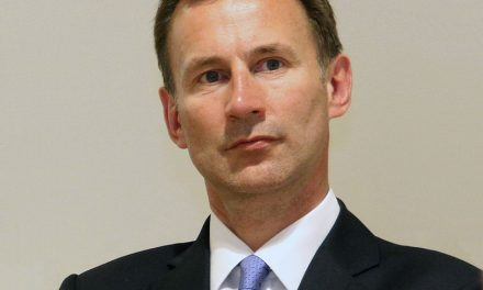 Jeremy Hunt to Warn of Costs of No-Deal Brexit