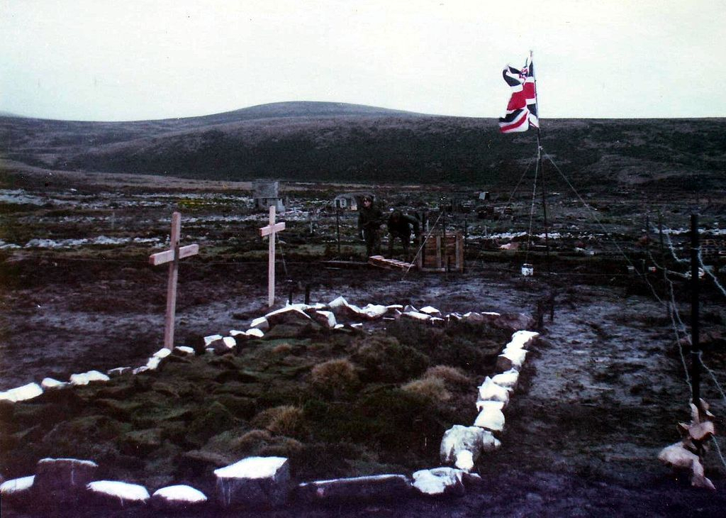 Ajax Bay Field Hospital June 1982 By Ken Griffiths (CC-BY-SA-4.0)