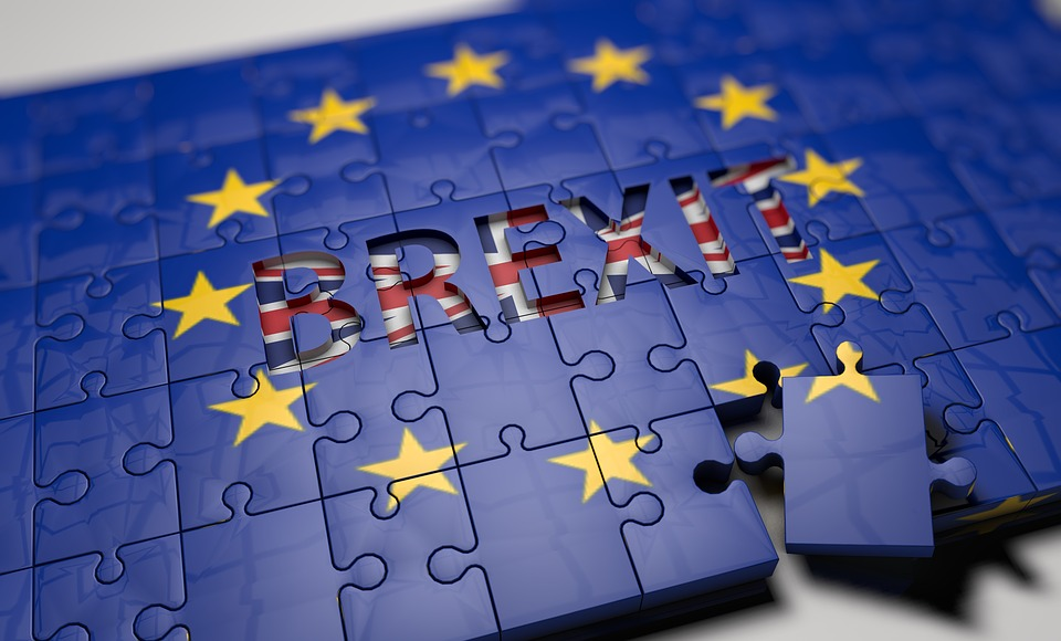 UK Risks 'Sleepwalking' into No-Brexit Says Barclay