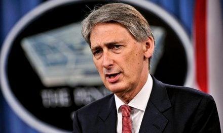 Hammond to Attack No-Deal Brexit 'Hijack'!